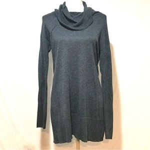 Daisy Fuentes Long Sleeve Turtleneck Sweater